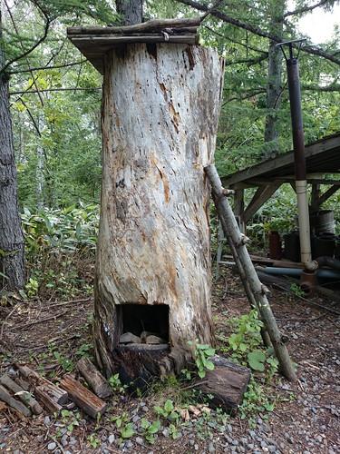 燻製を作るための樹の臺